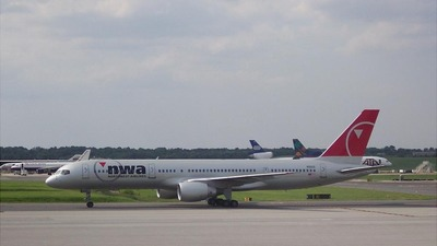 N511US - Boeing 757-251 - Northwest Airlines
