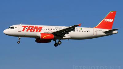 PR-MAW - Airbus A320-232 - TAM Linhas Aéreas