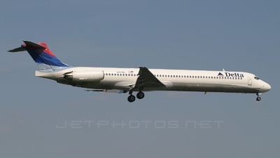 N971DL - McDonnell Douglas MD-88 - Delta Air Lines