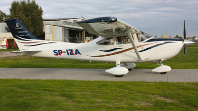 SP-IZA - Cessna 182T Skylane - Private