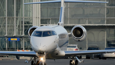 OE-HEO - Bombardier BD-100-1A10 Challenger 300 - JetAlliance