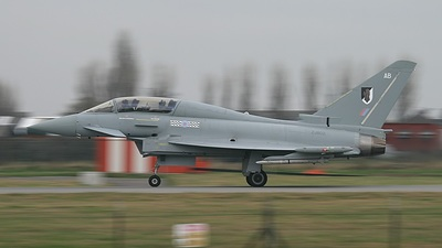 ZJ802 - Eurofighter Typhoon T.1 - United Kingdom - Royal Air Force (RAF)
