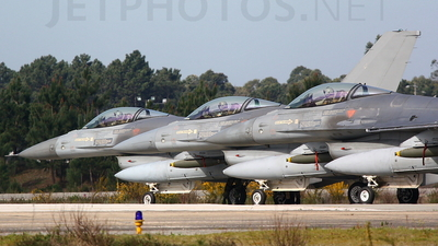 15104 - General Dynamics F-16A Fighting Falcon - Portugal - Air Force