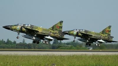 37813 - Saab Sk37E Viggen - Sweden - Air Force