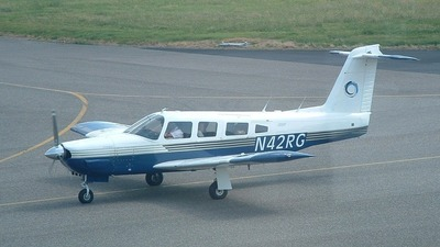 A picture of N42RG - Piper PA32RT300 - [32R7985071] - © rob bominaar