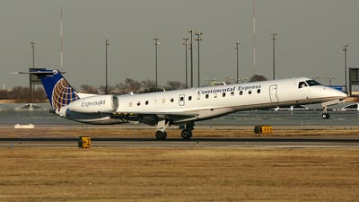 A picture of N16944 - Embraer ERJ145EP - [145045] - © Tim Perkins