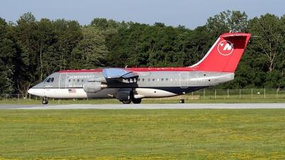 N524XJ - British Aerospace Avro RJ85 - Northwest Airlink (Mesaba Airlines)