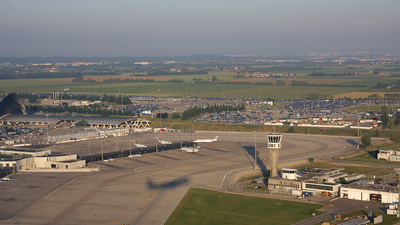 LFLL - Airport - Airport Overview