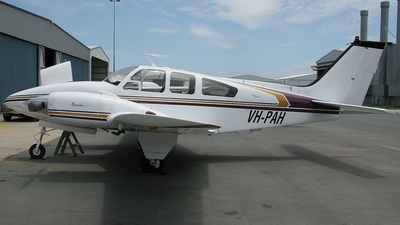 VH-PAH - Beechcraft 95-D55 Baron - Private