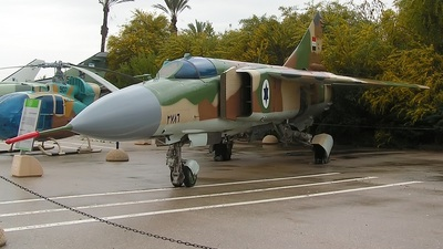 - Mikoyan-Gurevich MiG-23ML Flogger G - Syria - Air Force