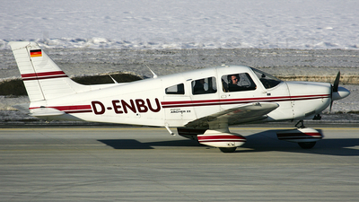 D-ENBU - Piper PA-28-181 Archer II - FFH Flight Training