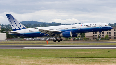N527UA - Boeing 757-222 - United Airlines
