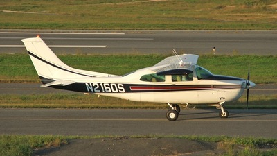 A picture of N2160S - Cessna 210L Centurion - [21061121] - © Dylan Cook