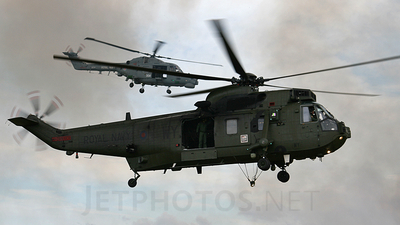 ZF119 - Westland Sea King HC.4 - United Kingdom - Royal Navy
