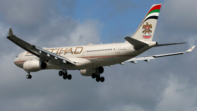 A6-EYW - Airbus A330-202 - Etihad Airways