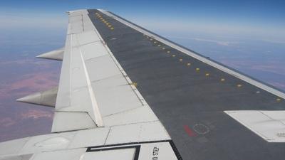VH-TJC - Boeing 737-376 - Qantas