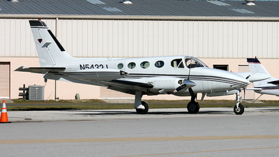 A picture of N5432J - Cessna 340A - [340A0110] - © Phil Rademacher