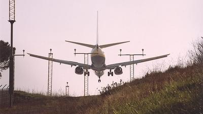 - Boeing 737-8AS - Ryanair