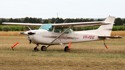 A picture of VHPDG - Cessna 172L Skyhawk - [17260649] - © Tom A.