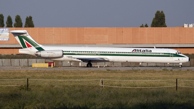 I-DANV - McDonnell Douglas MD-82 - Alitalia