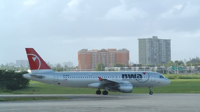 N316US - Airbus A320-211 - Northwest Airlines