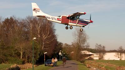 A picture of PHSTL - Cessna U206G - [U20604266] - © Klaas Reinder Sluijs