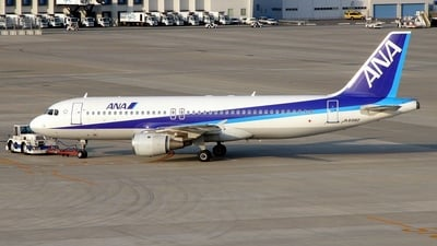 JA8392 - Airbus A320-211 - All Nippon Airways (ANA)