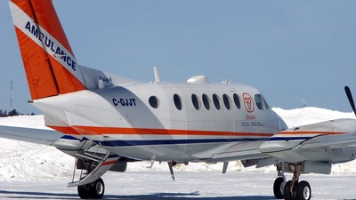C-GJJT - Beechcraft 200 Super King Air - Voyageur Airways