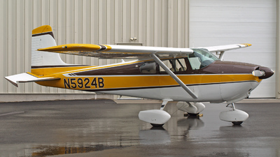 A picture of N5924B - Cessna 182A Skylane - [33924] - © Steve Homewood