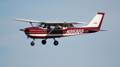 N35323 - Cessna 172I Skyhawk - Private