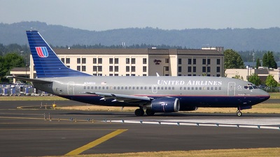 N346UA - Boeing 737-322 - United Airlines
