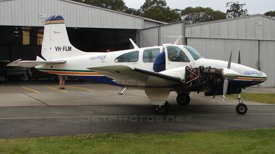 VH-FLM - Beechcraft D95A Baron - Private