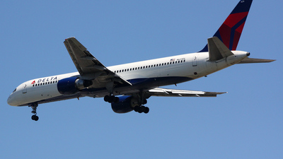 A picture of N624DL - Boeing 757232 - [22914] - © Adam Sheinhaus