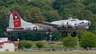 N5017N - Boeing B-17G Flying Fortress - Private