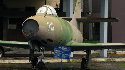 713 - Dassault MD.450 Ouragan - El Salvador - Air Force