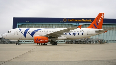 I-LINF - Airbus A320-231 - Wind Jet
