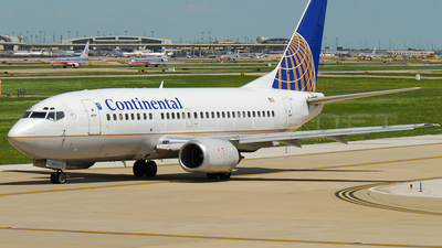 N17663 - Boeing 737-524 - Continental Airlines