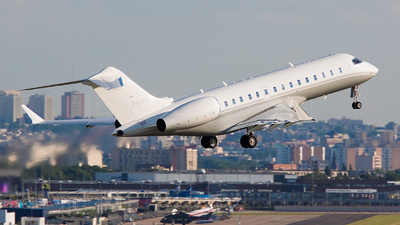 A picture of GLXRS - Bombardier Global Express - [9200] - © Phil Noret