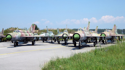 550 - Mikoyan-Gurevich MiG-21bis Fishbed L - Bulgaria - Air Force