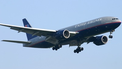 N785UA - Boeing 777-222(ER) - United Airlines