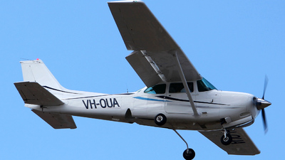 A picture of VHOUA - Cessna 172RG Cutlass RG - [172RG0534] - © Kim Vanvik