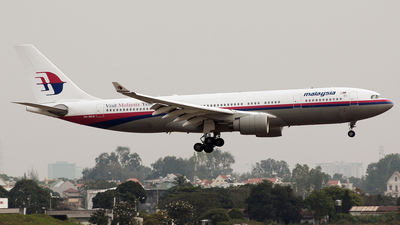 9M-MKW - Airbus A330-223 - Malaysia Airlines