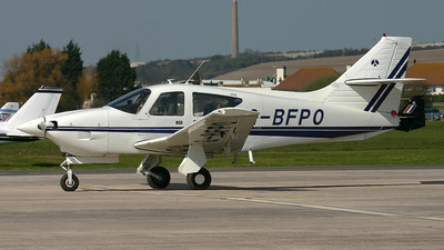 G-BFPO - Rockwell Commander 112B - Private
