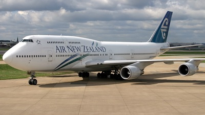 ZK-SUH - Boeing 747-475 - Air New Zealand