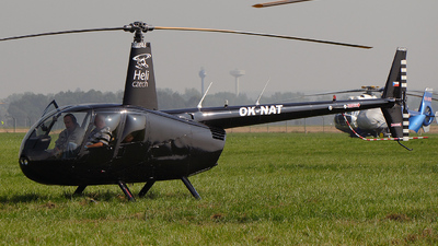 A picture of OKNAT - Extra EA330/LT - [LT051] - © Piotr Nowak