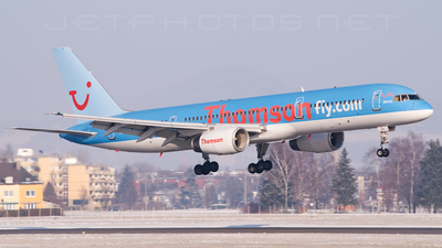 G-BYAT - Boeing 757-204 - Thomson Airways