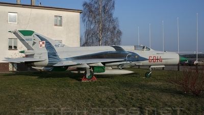 6814 - Mikoyan-Gurevich Mig-21MF Fishbed J - Poland - Air Force