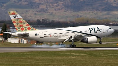 AP-BEC - Airbus A310-308 - Pakistan International Airlines (PIA)