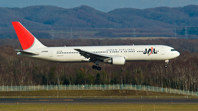 JA8986 - Boeing 767-346 - Japan Airlines (JAL)