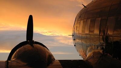 N33VW - Douglas C-47B Skytrain - Private